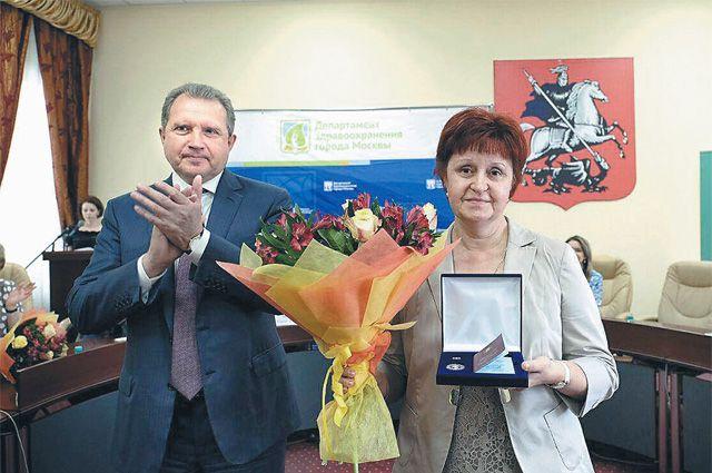 А. Хрипун вручил награды медикам, которых выбрали москвичи.