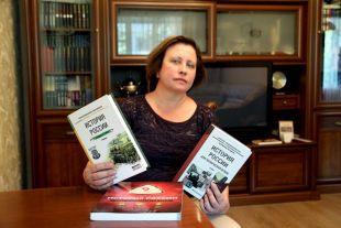 Марине Бравиной как автору учебника удалось всё: и стандарт соблюсти, и гражданина воспитать, и от правды не отступить.
