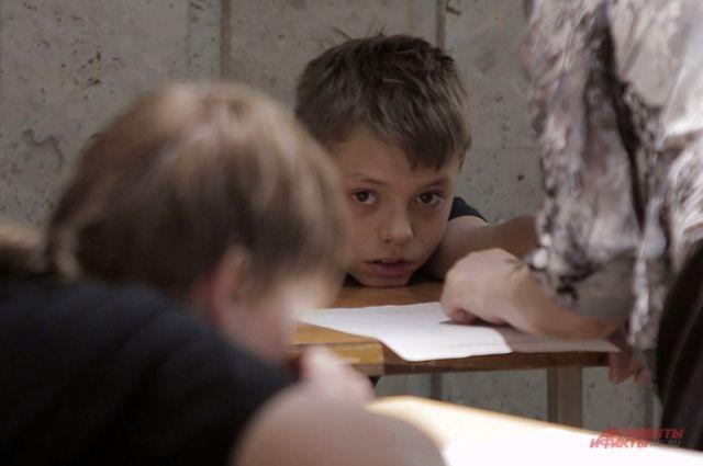 За взаимоотношениями учеников с родителями и сверстниками снова будут следить школьные психологи.