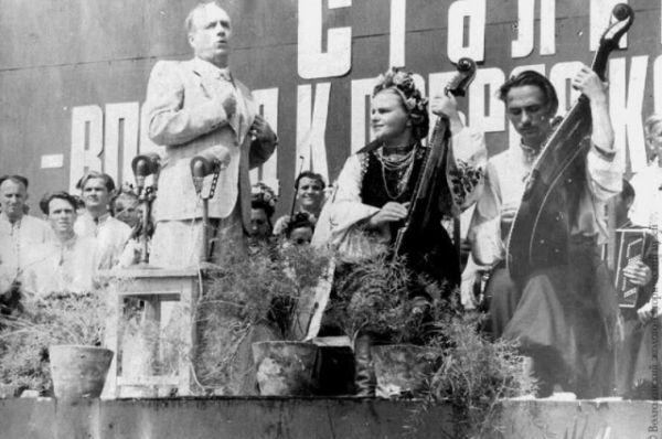 Выступление Ивана Козловского на открытии Цимлянского гидроузла.
