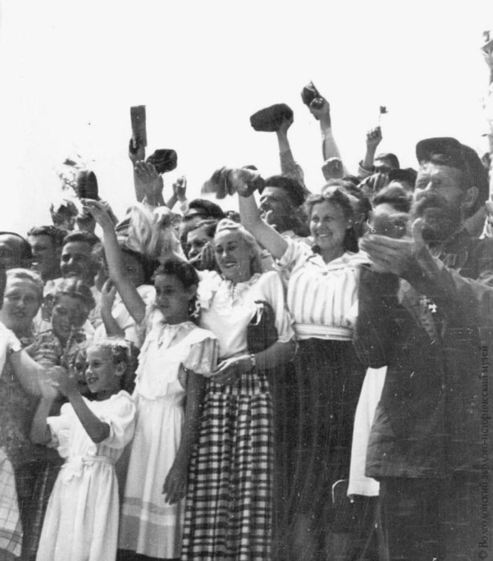 В день торжественного открытия Волго-Донского судоходного канала 27 июля 1952 года.
