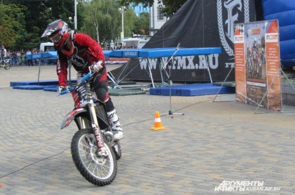 Николай Иванков в 2014 году вошел в ТОП-10 лучших на Чемпионате Мира по мотофристайлу Night of the Jumps.