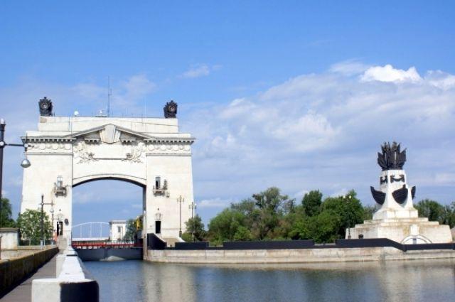 14-й шлюз Волго-Донского канала.