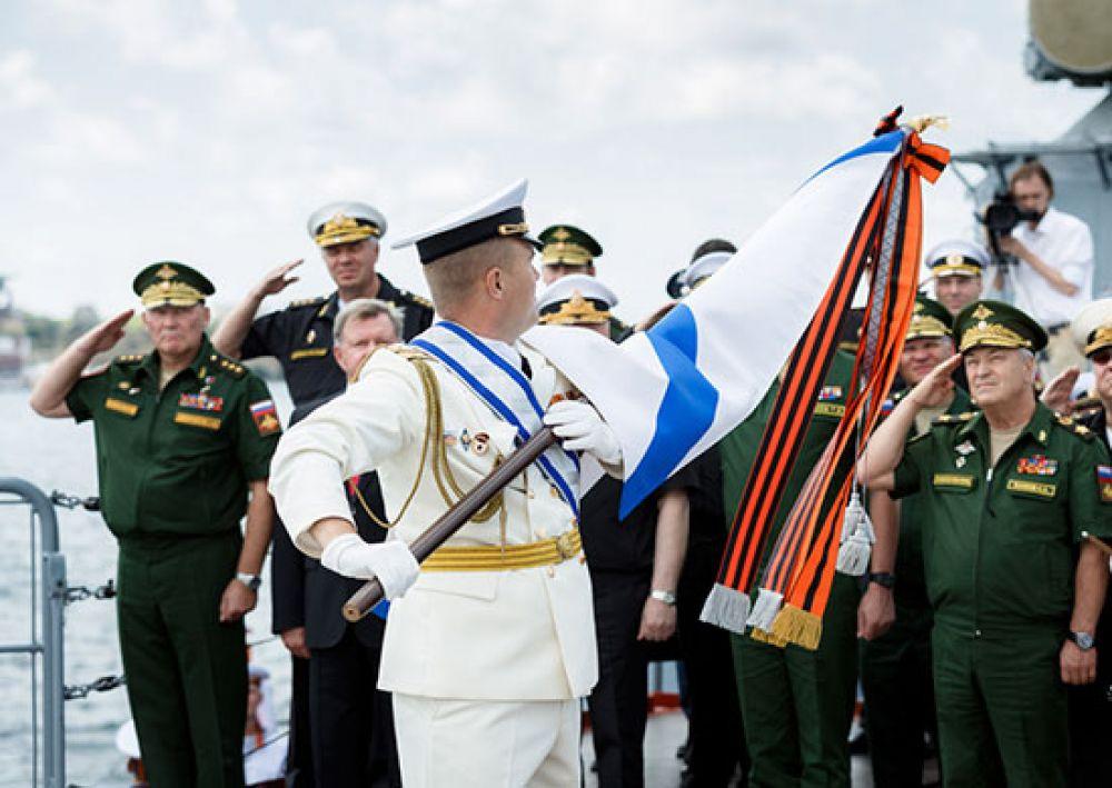 Орден Нахимова был учрежден в годы Великой Отечественной войны в знак уважения к отваге, мужеству и подвигам моряков, которые внесли огромный вклад в победу над врагом.