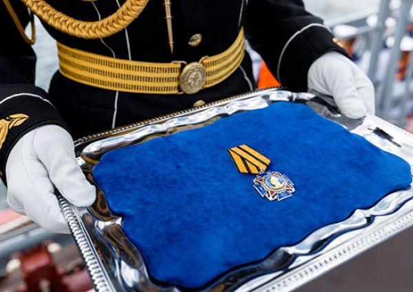 В современной России орденом стали также награждать корабли, отличившиеся при выполнении боевых заданий.