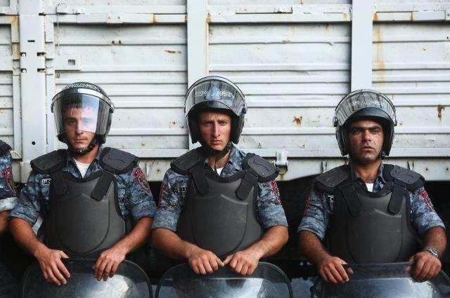 Вооруженная группа вЕреване освободила последних 2-х заложников