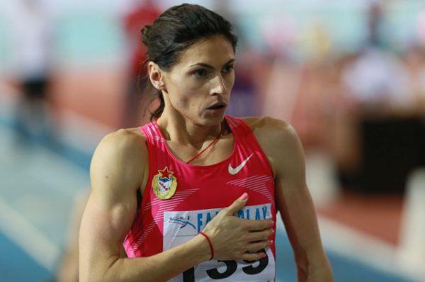 Антонина Кривоша́пка - российская бегунья, специализируется в беге на 400 метров. Серебряный призёр Олимпиады, чемпионка мира в эстафете 4х400 м, четырёхкратный бронзовый призёр чемпионатов мира, трехкратная чемпионка Европы.