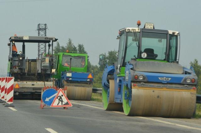 Медведев: практически  200 километров дорог отремонтировали вКрыму за2 года