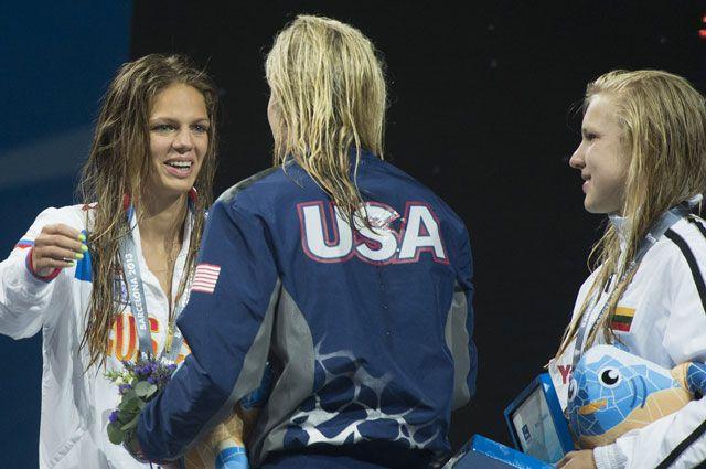 Слева направо: Юлия Ефимова (Россия), Джессика Харди (США) и Рута Мейлутите (Литва).