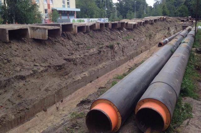 На Литовском валу в Калининграде перекладывают  30-летний трубопровод.