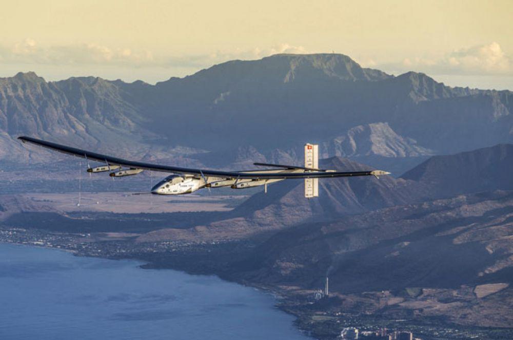 Solar Impulse 2 над Гавайями.