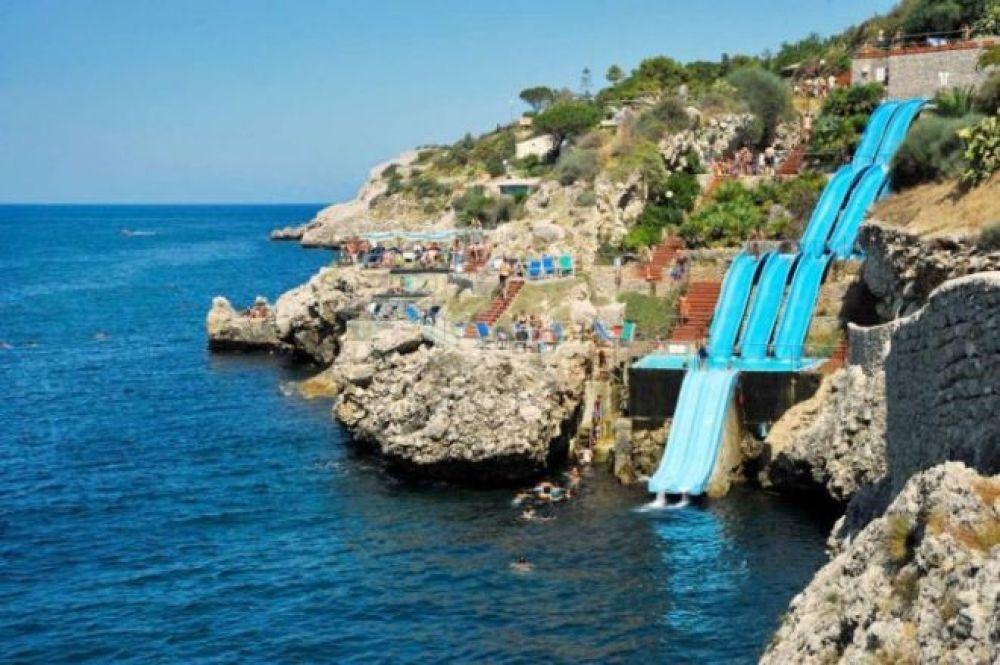 Citta del Mare - итальянская горка, которая ведет прямо в Средиземное море