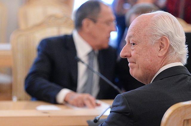 Спецпосланник ООН по Сирии Стаффан де Мистура во время встречи с главой МИД РФ Сергеем Лавровым.