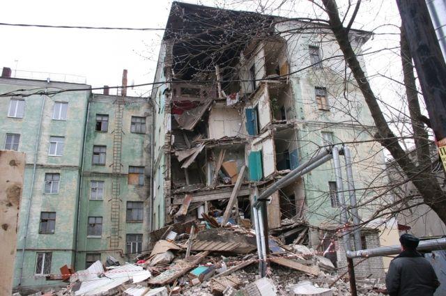 Спустя два с лишним года десятки собственников жилья на ул. Самочкина ютятся где придётся.