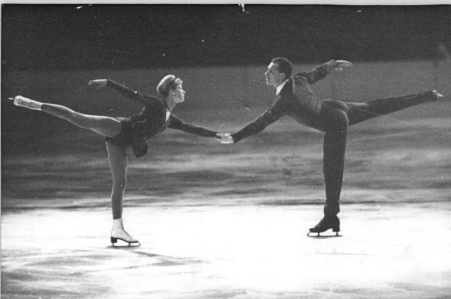 Следом за Корчным из СССР сбежали фигуристы Людмила Белоусова и Олег Протопопов.