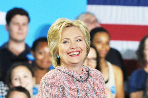 Хилари Клинтон — одна из основных кандидатов на пост Президента США на выборах 2016 года. В 2008 году Хилари уже выдвигалась на этот пост. После официального начала президентской гонки она была одним из самых известных публике кандидатов и пользовалась значительной поддержкой избирателей-демократов. Ситуация резко изменилась в конце 2007 года, когда избиратели начали подозревать чету Клинтон в семейственности. В июне 2008 отказалась от продолжения внутрипартийной борьбы и заявила о поддержке кандидатуры Обамы.