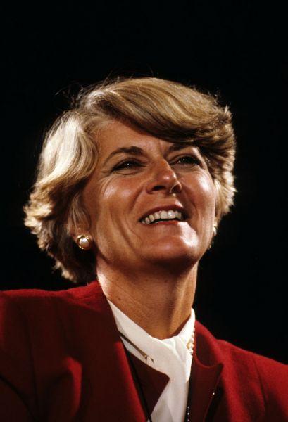 В истории США женщины дважды претендовали на второй по значимости пост в стране — вице-президента. В 1984 году Уолтер Мондейл и Джеральдин Ферраро (кандидаты от демократической партии) проиграли паре Рональд Рейган и Джордж Буш-старший.
