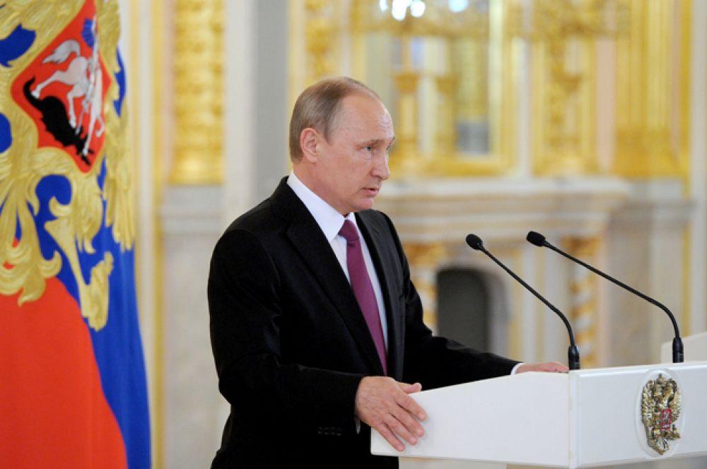 Накануне президент в ходе оперативного совещания обсудил с постоянными членами Совета Безопасности решения Международного олимпийского комитета в отношении российских спортсменов.