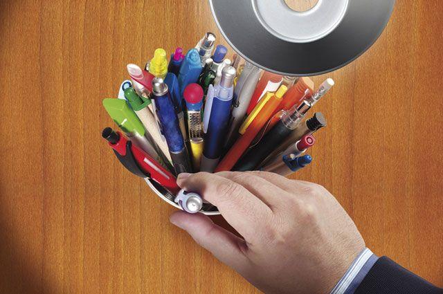 Большая дырка маленькие ручки