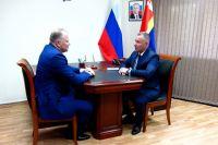 Цуканов передал дела врио главы Калининградской области Евгению Зиничеву.