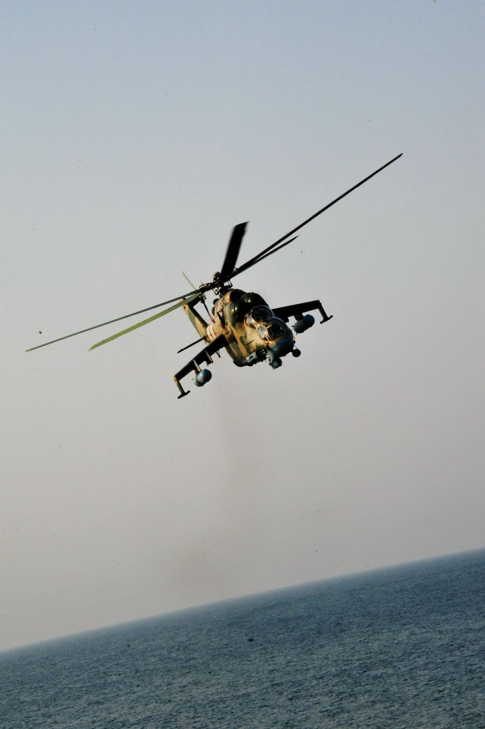 Не часто можно увидеть заграничные вертолеты в нашем воздушном пространстве над Черным морем