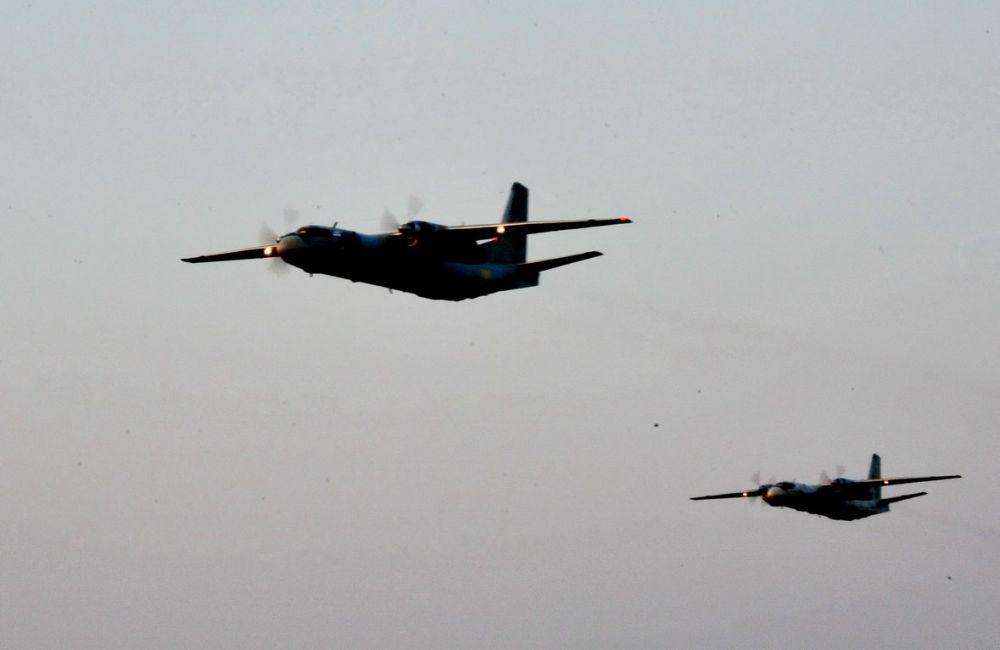В военных учениях участвовала авиация