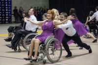 """На инвалидных колясках можно и танцевать, уверены участники танцевального коллектива """"Парадокс"""""""