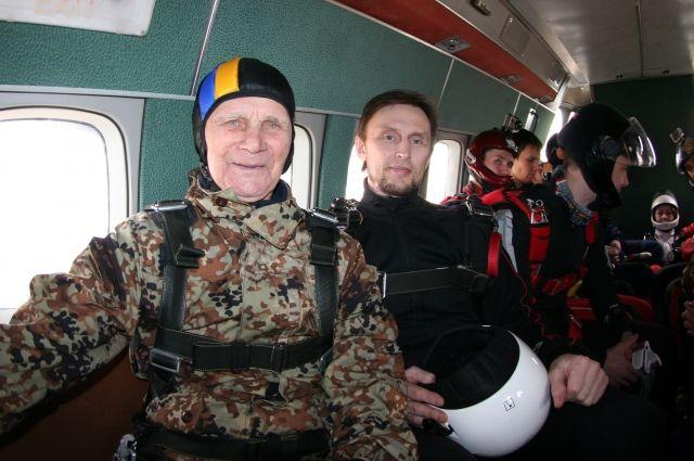 Павел Кузьмич Плетнев перед прыжком.
