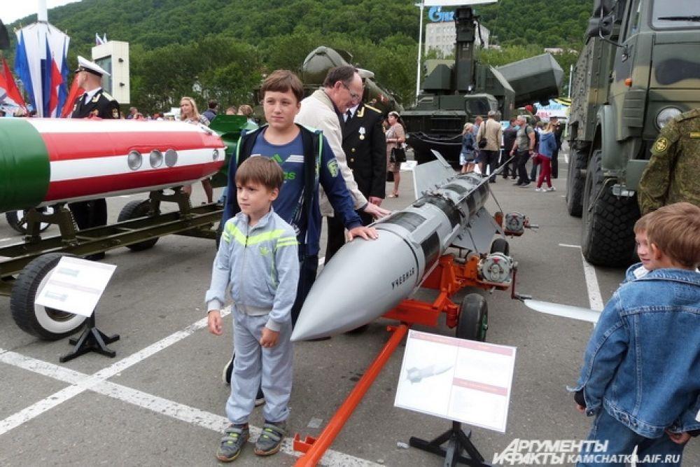Ракета класса «воздух-воздух» Р-33.