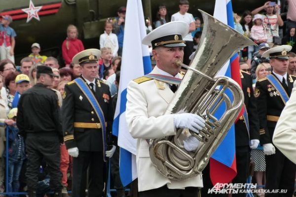 Сводный оркестр Войск и Сил дал плац-концерт.