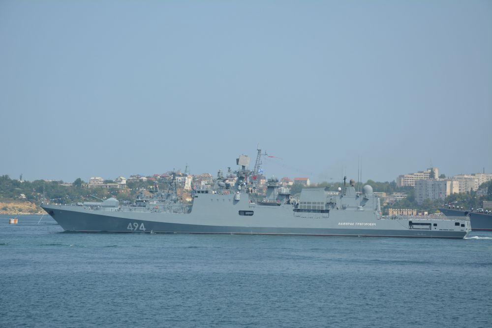 Например, сторожевой корабль Черноморского флота «Адмирал Григорович» прибыл к месту постоянного базирования – город-герой Севастополь только 9 июня. Он вооружен крылатыми ракетами «Калибр-НК», ракетным комплексом самообороны «Штиль-1,» артустановкой А-190 калибра 100  мм, зенитной артиллерией, реактивной бомбовой установкой, торпедами, может нести палубный вертолет Ка-27 (или Ка-31).