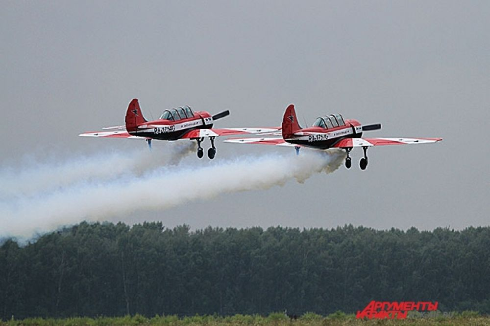 Як-42 готовится выполнить «бочку»