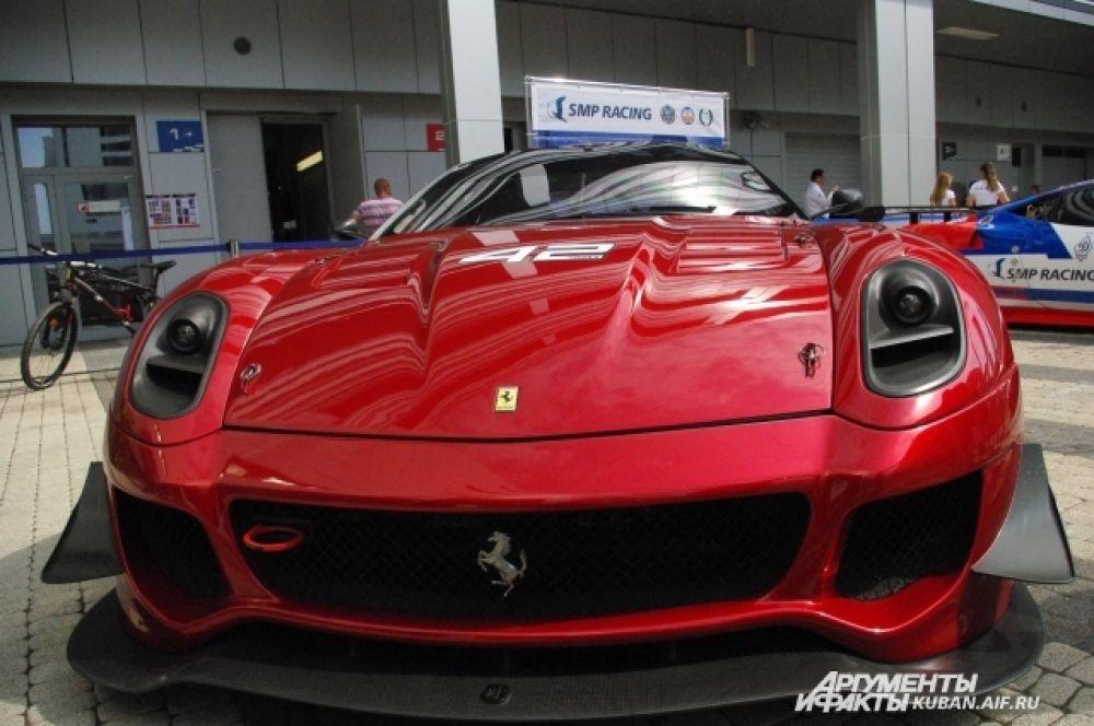 Партнером Ferrari на гонках в Сочи стала SMP Racing - программа поддержки и развития автоспорта в России.