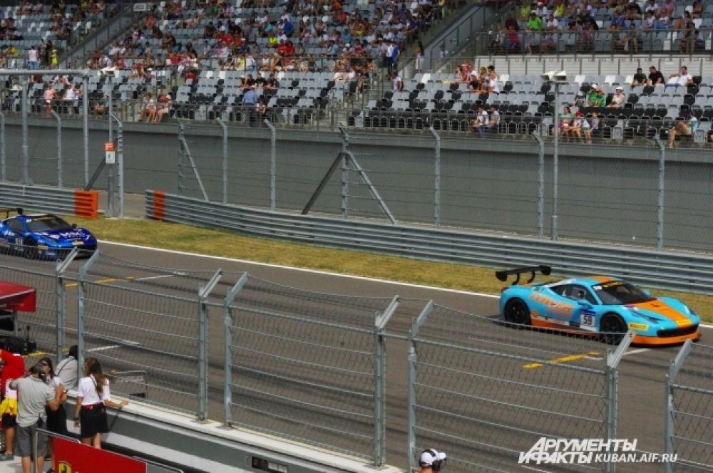 Первая гонка уикенда Ferrari Challenge Trofeo Pirelli.