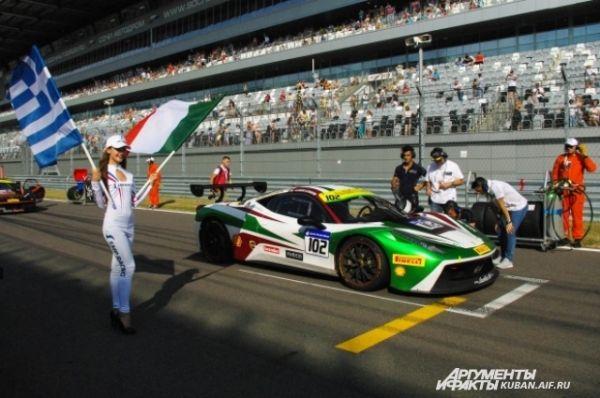 Первая гонка Ferrari Challenge Coppa Shell.