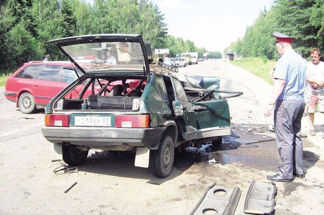 Чаще всего ДТП совершают водители от 28 до 38 лет. А самый аварийный день - пятница.