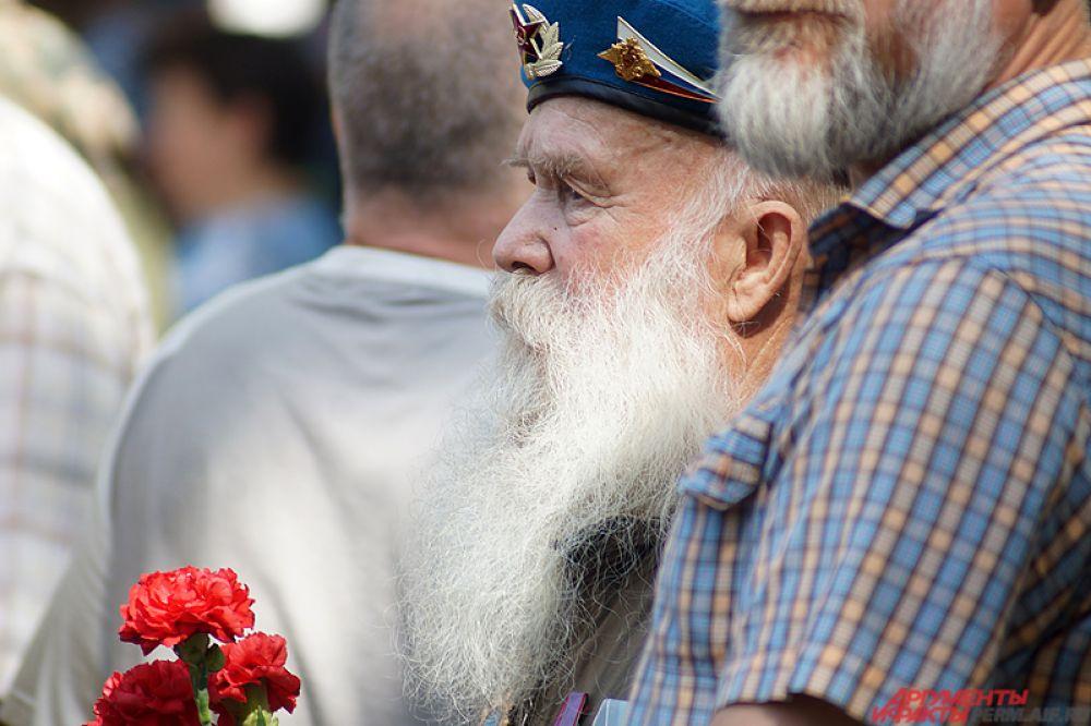 Ветераном в этот день уделялось много внимание.