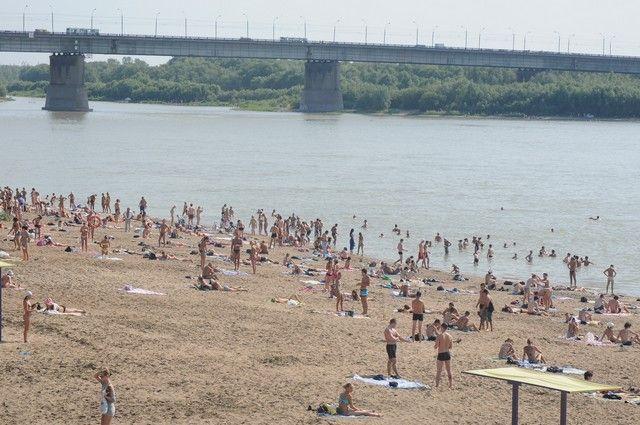 Песок и питьевая вода в норме на омских пляжах.