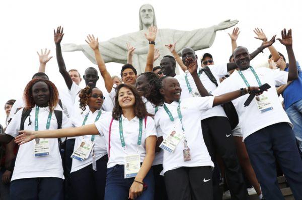 В Олимпийских играх в Рио-де-Жанейро впервые в истории примет участие команда беженцев, которая выступит под Олимпийским флагом.
