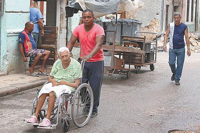 Средняя продолжительность жизни кубинских мужчин 72 года, женщин - 79 лет.