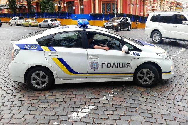 ВКиеве уздания суда началась драка с употреблением слезоточивого газа