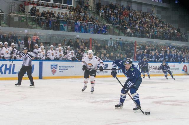 Хоккейные поединки и концерты в