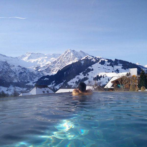 Вот еще бассейн с видом на Альпы, только уже в Швейцарии при комплексе The Cambrian