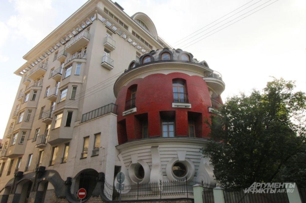 Дом-яйцо — жилой дом по адресу: улица Машкова, 1/11.