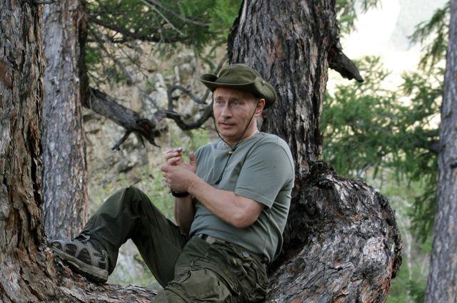 Владимир Путин во время отдыха в Республике Тыва.