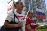 Российская теннисистка Светлана Кузнецова (слева) в Олимпийской деревне в Рио-де-Жанейро.