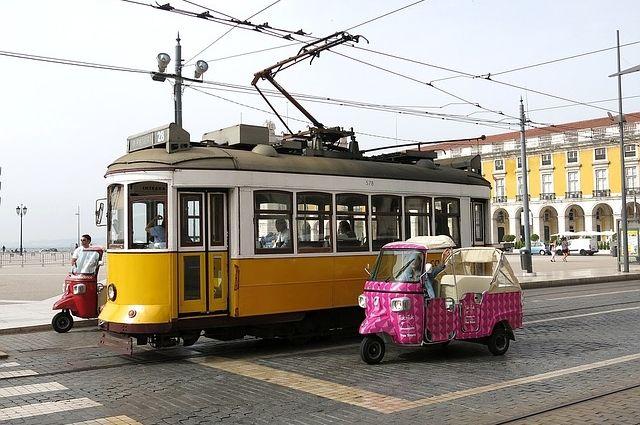 Тук-тук в Лиссабоне.