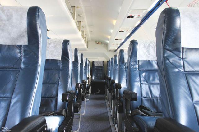 Пассажиры шесть часов прождали всамолете вылета изСургута