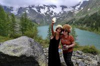 Многие приезжают на Мультинские озёра не любоваться природой, а делать селфи для друзей.