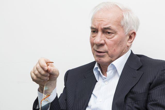 Азаров назвал вызов надопрос вГПУ «чепухой»